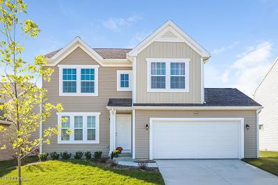 Benton Harbor Single Family Home For Sale: 636 Cygnet Lake Drive