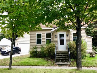 Manistee Single Family Home For Sale: 283 Second Avenue