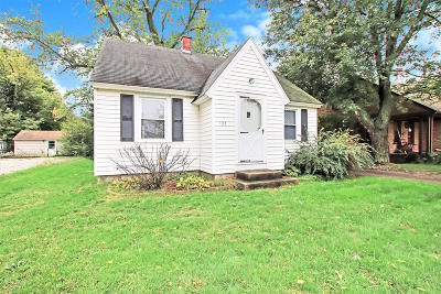 Allegan County Single Family Home For Sale: 132 W 32nd Street