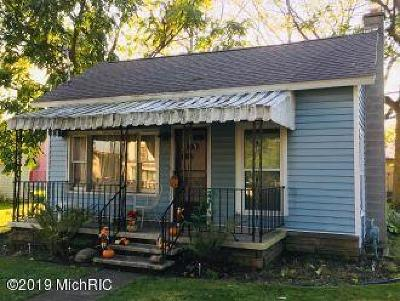 Reading Single Family Home For Sale: 212 Lynn St. Street