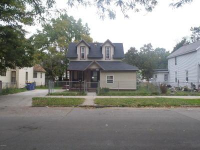 Single Family Home For Sale: 431 Gilbert Street SE
