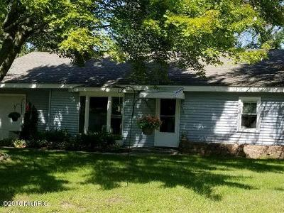 Norton Shores Single Family Home For Sale: 650 August Road