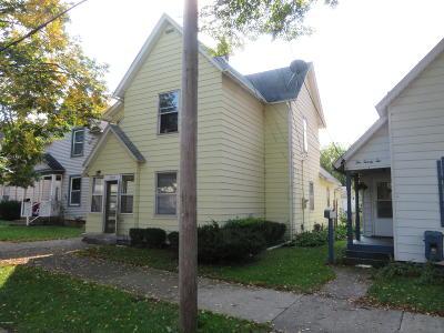 Single Family Home For Sale: 1020 Park Street SW
