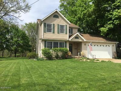 Marshall Single Family Home For Sale: 319 E Hughes Street