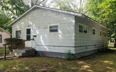 Benton Harbor Single Family Home For Sale: 377 Parker Avenue