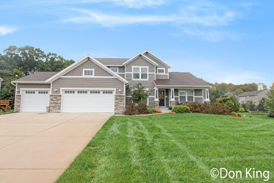 Single Family Home For Sale: 6853 Silver Meadow Court NE