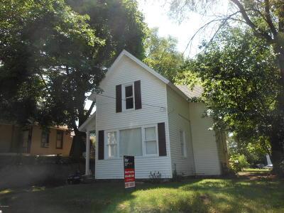 Single Family Home For Sale: 46 Grove Street NE
