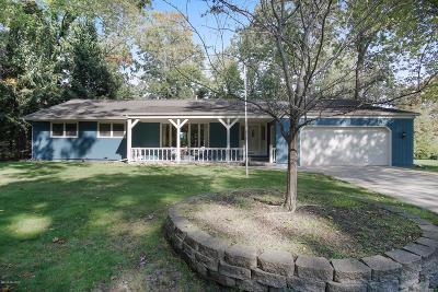 Norton Shores Single Family Home For Sale: 1280 Edinborough Drive