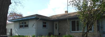 Wayland Single Family Home For Sale: 131 Oak Street