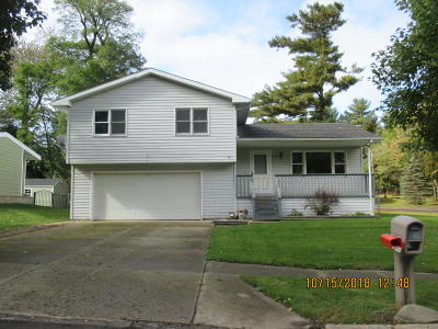 Hillsdale County Single Family Home For Sale: 174 Westwood Drive