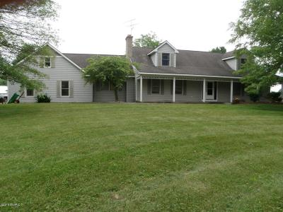 Clinton County, Gratiot County, Isabella County, Kent County, Mecosta County, Montcalm County, Muskegon County, Newaygo County, Oceana County, Ottawa County, Ionia County, Ingham County, Eaton County, Barry County, Allegan County Single Family Home For Sale: 7921 Robbins Road