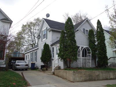 Grand Rapids MI Single Family Home For Sale: $124,900