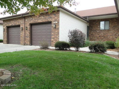 Hudsonville Condo/Townhouse For Sale: 4941 Summergreen Run #215