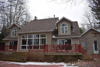 Manistee County Single Family Home For Sale: 4410 Fox Farm Road
