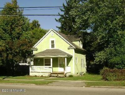 Niles Single Family Home For Sale: 515 S 3rd Street