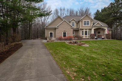 Muskegon County, Newaygo County, Oceana County, Ottawa County Single Family Home For Sale: 50 Boulder Drive