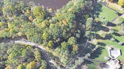 Clinton County, Gratiot County, Isabella County, Kent County, Mecosta County, Montcalm County, Muskegon County, Newaygo County, Oceana County, Ottawa County, Ionia County, Ingham County, Eaton County, Barry County, Allegan County Residential Lots & Land For Sale: 7530 Valhalla Drive SE