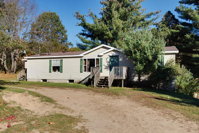 Montcalm County Single Family Home For Sale: 15340 Gates Road