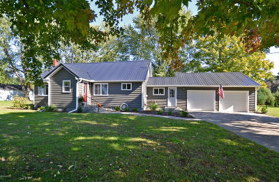 Berrien County, Branch County, Calhoun County, Cass County, Hillsdale County, Jackson County, Kalamazoo County, St. Joseph County, Van Buren County Single Family Home For Sale: 64923 Shaffer Road