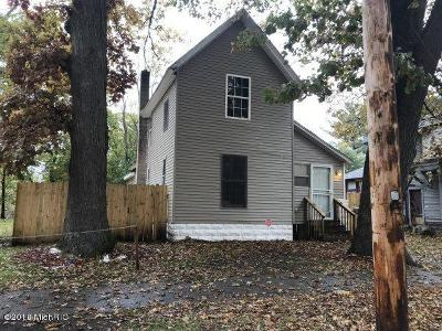 Dowagiac Single Family Home For Sale: 530 S Front Street