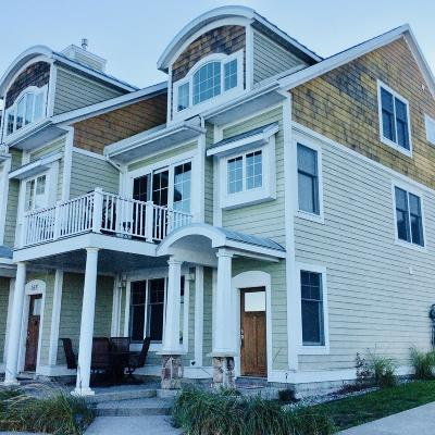 Benzie County, Charlevoix County, Clare County, Emmet County, Grand Traverse County, Kalkaska County, Lake County, Leelanau County, Manistee County, Mason County, Missaukee County, Osceola County, Roscommon County, Wexford County Condo/Townhouse For Sale: 167 Joslin Cove Drive