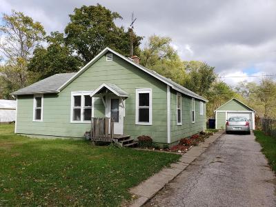 Benton Harbor Single Family Home For Sale: 1001 Villa Court