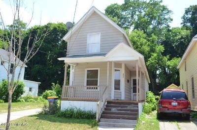 Single Family Home For Sale: 852 Sherman Street SE