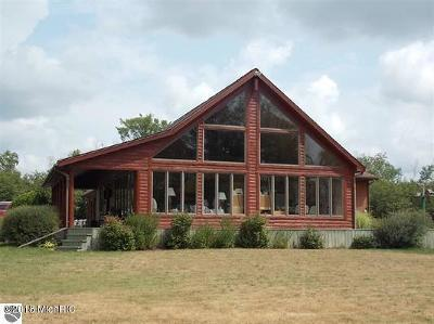 Benzie County, Charlevoix County, Clare County, Emmet County, Grand Traverse County, Kalkaska County, Lake County, Leelanau County, Manistee County, Mason County, Missaukee County, Osceola County, Roscommon County, Wexford County Single Family Home For Sale: 5135 W Lotan Road