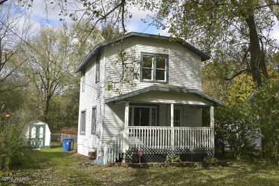 Kalamazoo Single Family Home For Sale: 5259 Keyes Drive