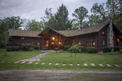 Benzie County, Charlevoix County, Clare County, Emmet County, Grand Traverse County, Kalkaska County, Lake County, Leelanau County, Manistee County, Mason County, Missaukee County, Osceola County, Roscommon County, Wexford County Single Family Home For Sale: 6378 S Mac Road #LODGE