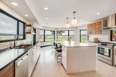 Single Family Home For Sale: 6976 Weller Drive NE