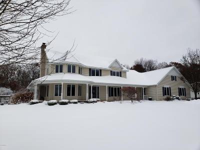 Grand Rapids Single Family Home For Sale: 5758 McCords Avenue SE