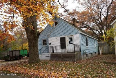 Muskegon Single Family Home For Sale: 1653 Elwood Street