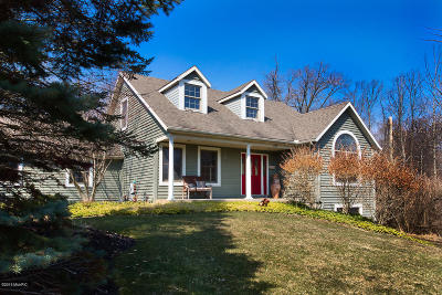 Saugatuck, Douglas Single Family Home For Sale: 737 Wilderness Ridge Circle