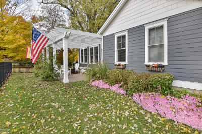 Saugatuck, Douglas Single Family Home For Sale: 340 Fremont Street