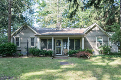Allegan County Single Family Home For Sale: 980 Lakewood Street