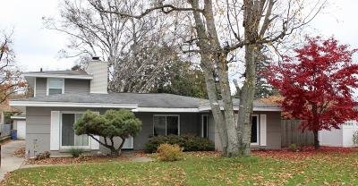Single Family Home For Sale: 1934 Lake Michigan Drive NW