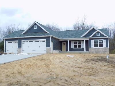 Van Buren County Single Family Home For Sale: 70818 Copper Boulevard