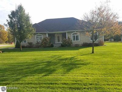 Wexford County Single Family Home For Sale: 7605 Amberwood Lane