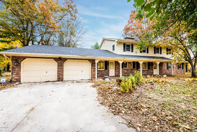 St. Joseph Single Family Home For Sale: 4479 Tanglewood Trail