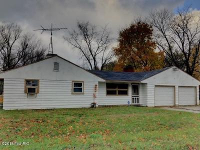Benton Harbor Single Family Home For Sale: 2383 Virginia Road