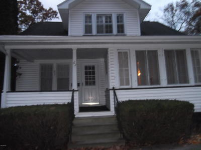 Muskegon Heights Single Family Home For Sale: 63 E Cleveland Avenue