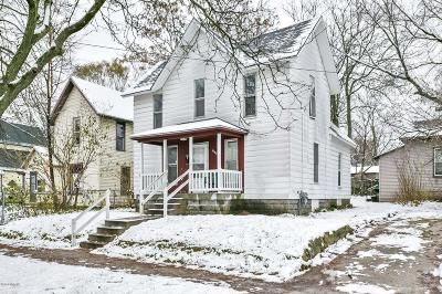 Grand Rapids Single Family Home For Sale: 1049 Sigsbee Street SE