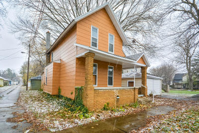 Grand Rapids Single Family Home For Sale: 441 Myrtle Street NW