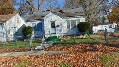 Benton Harbor Single Family Home For Sale: 961 Jennings Avenue