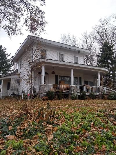 Dowagiac Single Family Home For Sale: 524 S Front Street