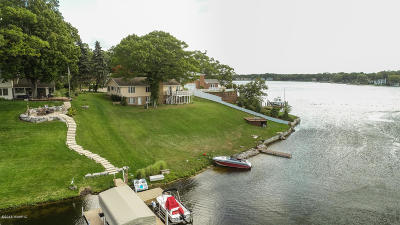 Grand Haven, Spring Lake, Ferrysburg Single Family Home For Sale: 16045 Harbor View Drive