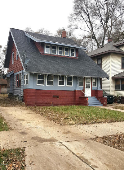 Grand Rapids Single Family Home For Sale: 1939 Prospect Avenue SE