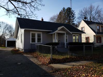 Benton Harbor Single Family Home For Sale: 158 Parker Avenue