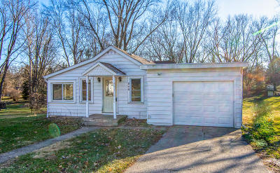Niles MI Single Family Home For Sale: $105,900